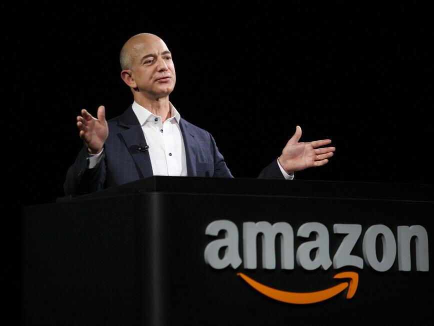 <p>Джеф Безос, изпълнителен директор на Amazon</p>