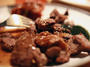 """Хранителните инспектори """"предпразнично"""" бракуваха 800 кг месо и 73 яйца"""
