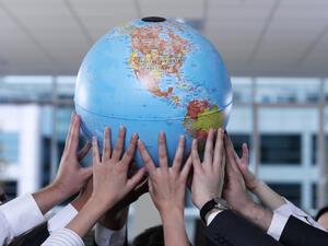 """Антоанета Василева: Факултет """"Международна икономика и политика"""" на УНСС се утвърждава като модерен център за балкански изследвания"""