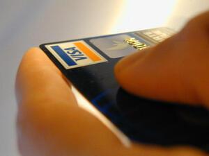 Все повече българи използват кредитната карта за пазаруване