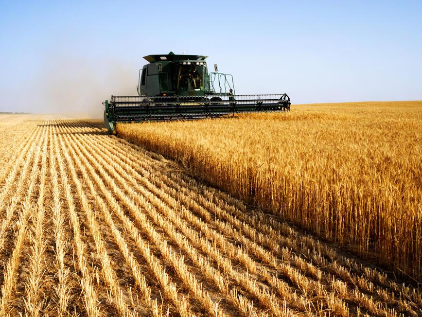 Фермерите ще могат да инвестират колективно в земеделска техника