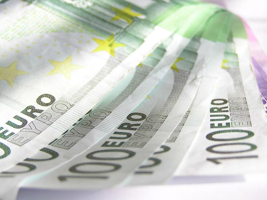 Пет държави са получили над 250 млрд. евро за справяне с кризата