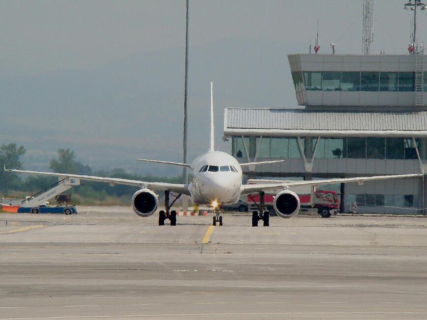 Авиокомпаниите ще дават данните на пътниците и екипажите на ДАНС