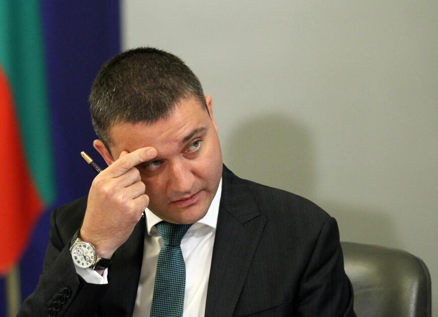 Горанов ще мисли вариант за облагане на апартхотелите