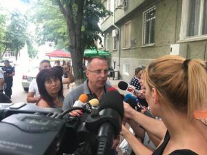 Порожанов: Във фермата с вторичното огнище на чума не ни допускат за втора проба