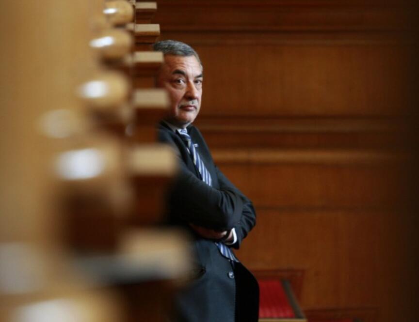 Ресторантьорите скочиха срещу проверките на Валери Симеонов