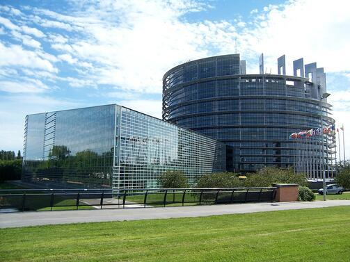 Европейският парламент започва разследване на британския евродепутат Найджъл Фараж заради