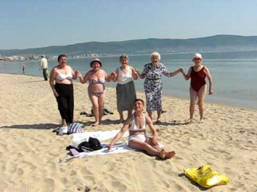 Черноморските ни курорти посрещат първите туристи