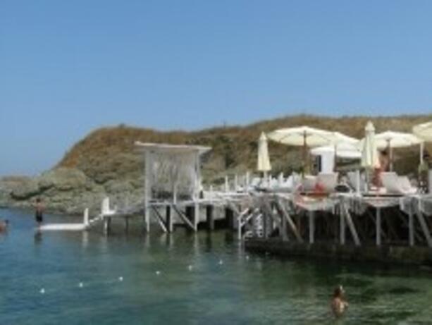 Кметът на Царево иска МРРБ да провери концесионерите на плажовете