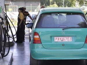 Протестират срещу високите цени на горивата