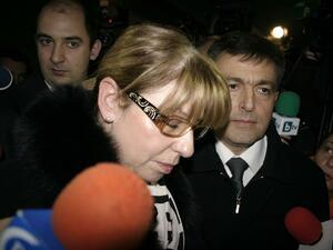 Мария Мургина излиза от съдебната зала