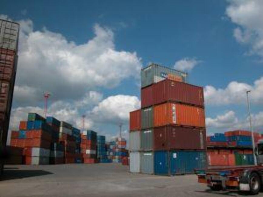 Увеличават се вносът и износът ни за трети страни