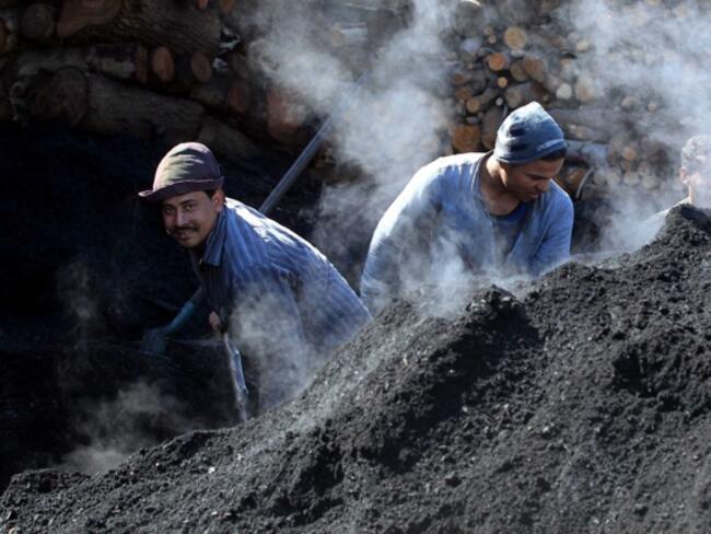 ОИСР призовава правителствата да вдигнат таксите върху мръсната енергия