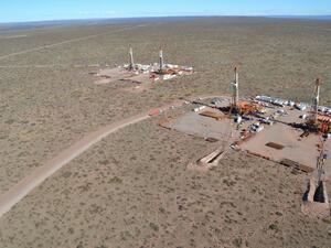 Добивът на шистов петрол в САЩ се ускорява