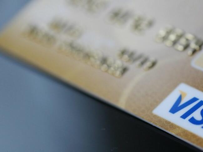 Кредитните карти стават все по-популярни в България