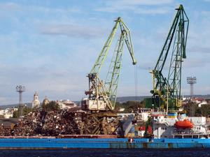 Китайска компания подписа договор за разширяване на пристанище Варна
