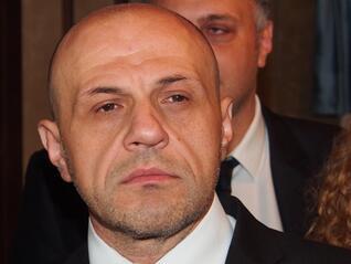Дончев: Спорът за еврото продължава