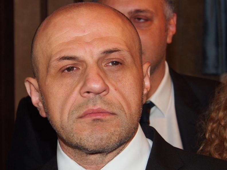 Обществените поръчки ще се възлагат по електронен път от догодина, обеща Дончев