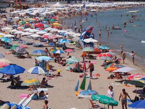 Руски туроператор очаква спадът на туристите към България да е 10%