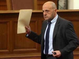 Системата при европейските средства не предполага политически чадър, заяви Томислав Дончев