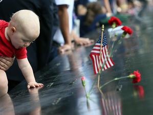 В Съединените щати се отбелязват 18 години от терористичните атентати,при