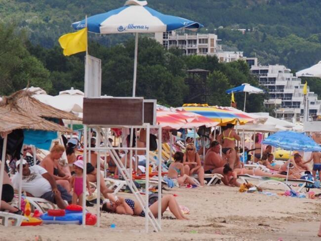 Министерството на туризма ще заличи нови 21 туроператора заради липса на застраховки