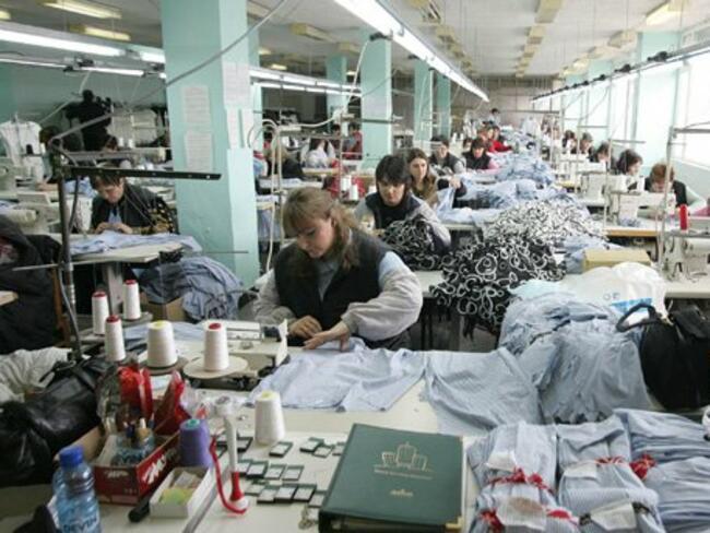 Трудовата инспекция проверява шивашко предприятие в Раковски за забавени заплати
