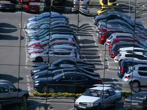 Продажбите на дребно в сАЩ растат през март