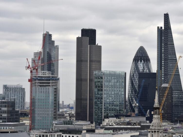 Международни банки ще изтеглят европейските си офиси от Лондон в началото на 2017 г.