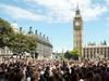 Британските банки се включват срещу нелегалните имигранти