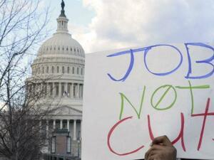 Броят на молбите за помощи при безработица в САЩ отново се свива
