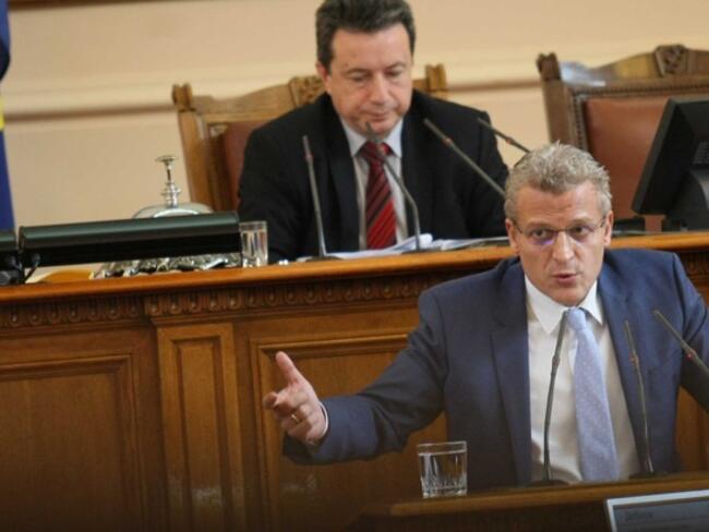 Започва делото срещу Петър Москов за ваксините