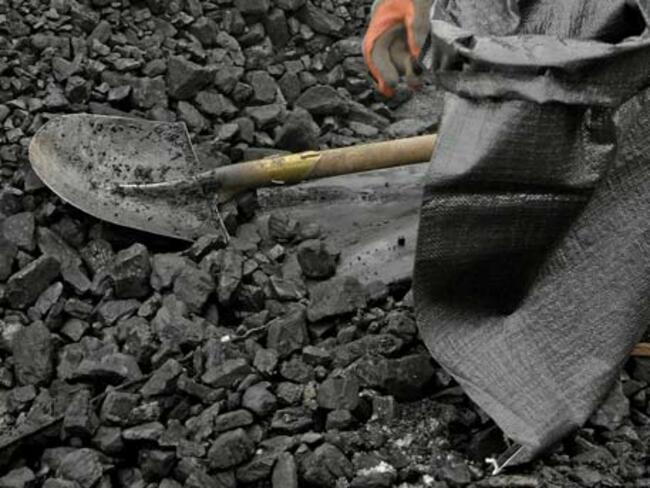Китай прекрати вноса на въглища от Северна Корея след резолюция на ООН