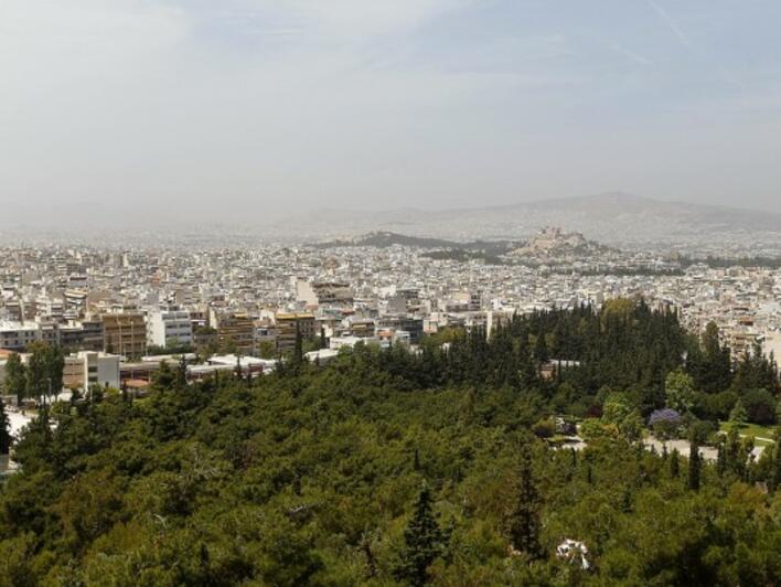 Кризата стопи една трета от активите на гръцките домакинства