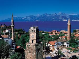 Турция очаква 30 млрд. долара от туризъм догодина