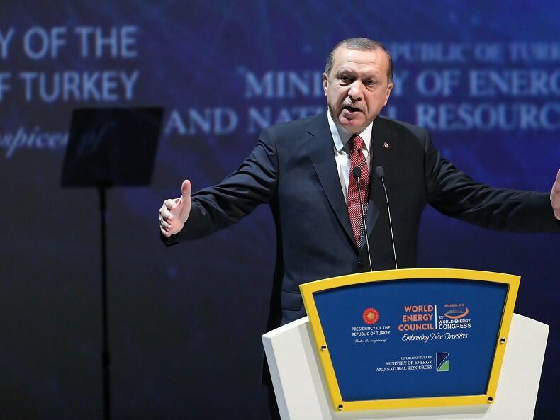Турция удвои митата за коли, алкохол и тютюн от САЩ
