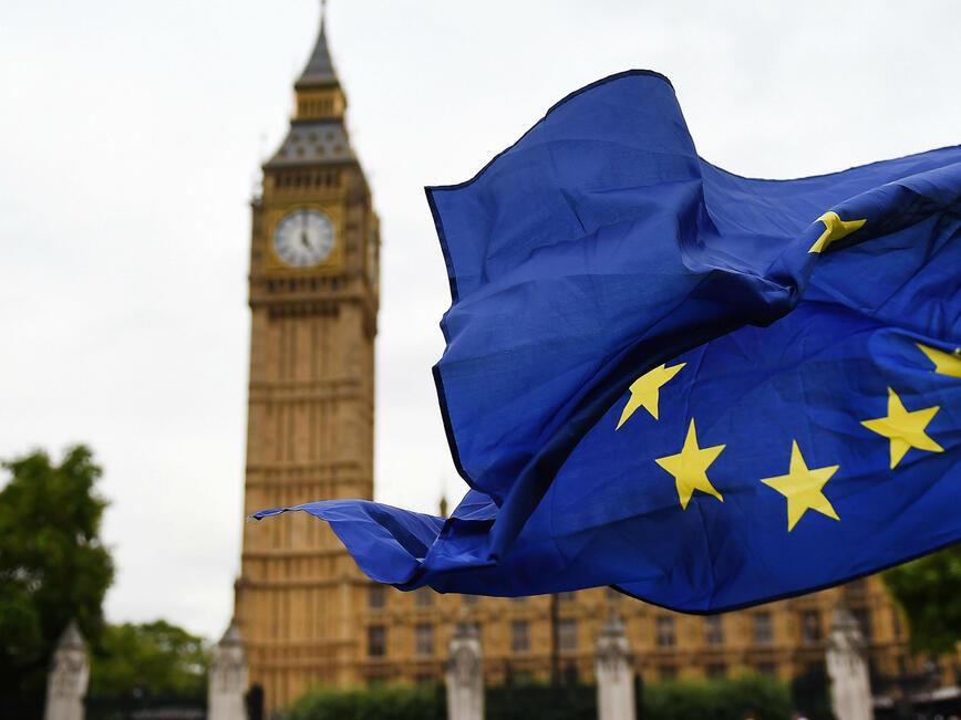 Европа предвижда хаос след провала на Мей при вота за Брекзит