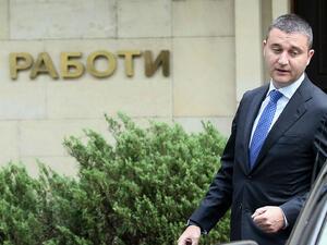 Горанов: Ще опитаме да убедим съда за минималната заплата от 460 лв.