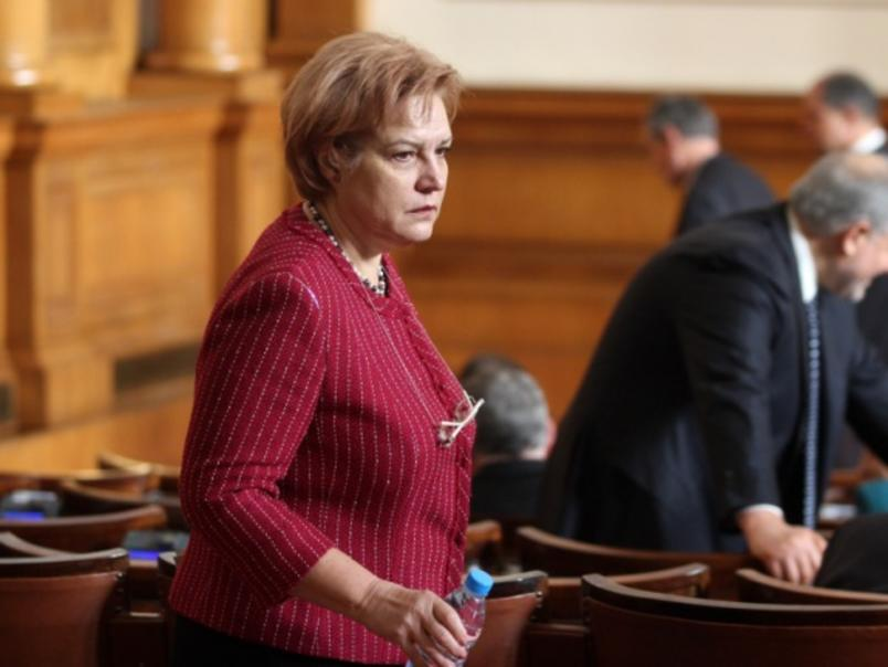 Менда Стоянова: Данъците ще вървят нагоре не като ставка, а като обем