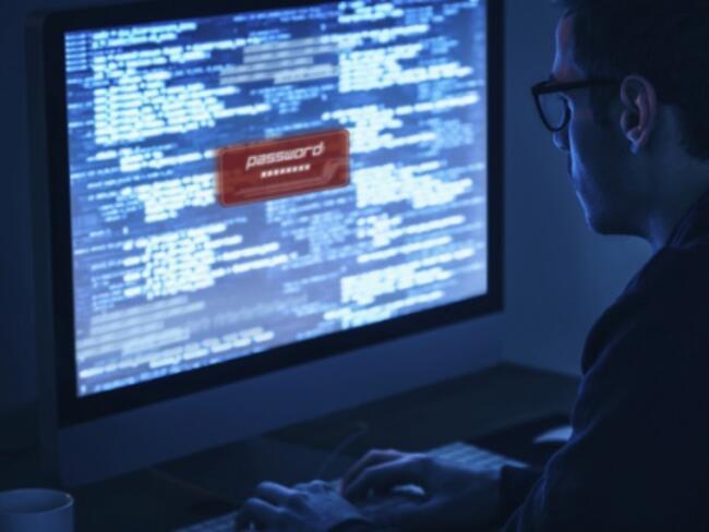 Хакери дебнат фирми и обикновени потребители