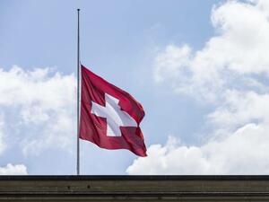 Швейцария удължава ограничението за разрешителни за работа за българи и румънци