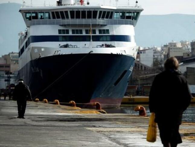 Гръцкият парламент одобри продажбата на пристанище Солун