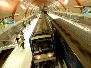 Тази вечер метрото и някои линии от градския транспорт в София ще се движат до 1:30 часа