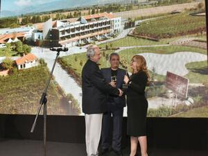 """Комплекс UVA NESTUM WINE&SPA спечели наградата """"Сграда на годината 2016"""""""
