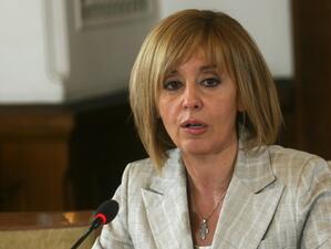 Мая Манолова: От последна надежда омбудсманът се превърна в първа помощ