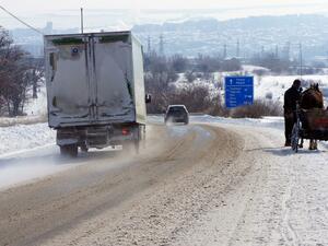 Загуби за десетки милиони търпи българската икономика заради зимната обстановка