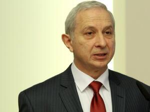 Законите, които се правят напоследък в българския парламент са популистки.