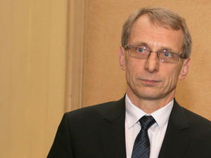 Н. Денков: Прекратява се обществената поръчка на проектите за създаване на Центрове за върхови постижения