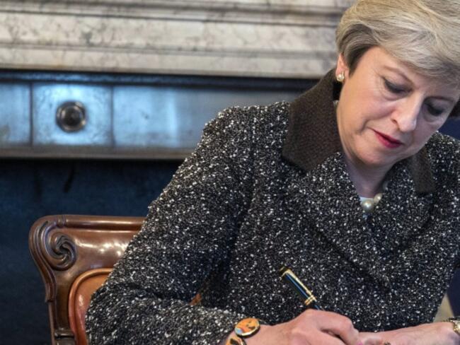 """Лондон: Все още има """"големи проблеми"""" пред сделката по Брекзит"""