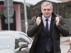Над 1 млн. българи обмислят вариант за емиграция, заяви Ивайло Калфин
